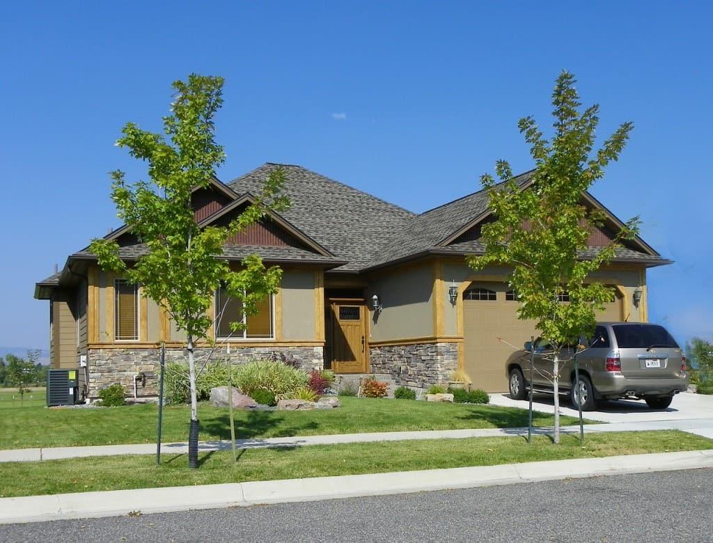 real-estate-475875_1280